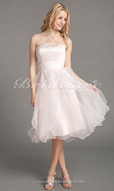 A-linje Organza Over Sateng Knelengde Stroppeløs Bridesmaid/ Wedding Party Kjole